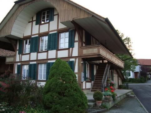 4 1/2 Zimmer-Maisonette-Wohnung (1. Stock/Dachstock)