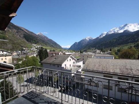 4.5-Zi.-Dachwohnung mit Balkon und Fernblick