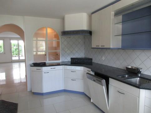 4.5-Zimmer-Parterrewohnung in Mehrfamilienhaus