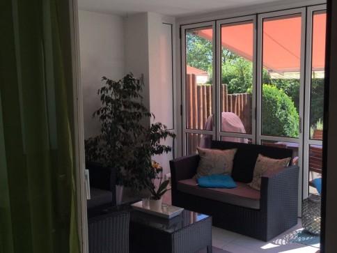 92m2, 3 1/2-Parterrewoh+Wintergarten+70m2 Gartensitzplatz+eig.Waschkü