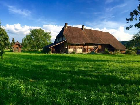An sonniger, ruhiger Lage Bauernhaus aus der Gotthelfszeit