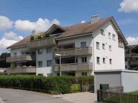 Attraktive Wohnung mit grosser Terrasse an ruhiger Sonnenlage
