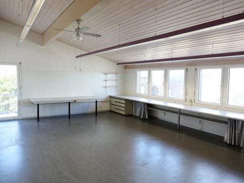 Büro / Atelier / Gewerberaum mit kleiner Einbauküche und WC