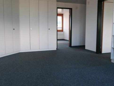 Büro für 1-4 Arbeitsplätze im Zentrum von Buchs