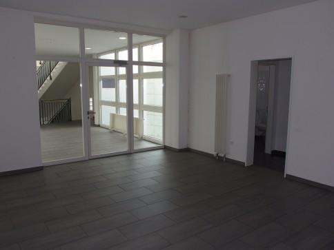 Büroräume (zentral gelegen) ca. 93 m2, 95 m2 oder 189 m2