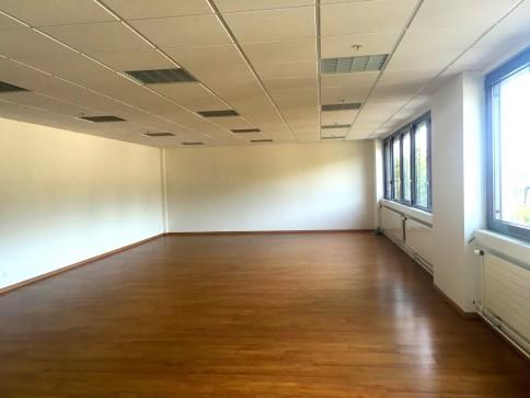 Bureaux, locaux de 95 m2 à louer à Echandens.