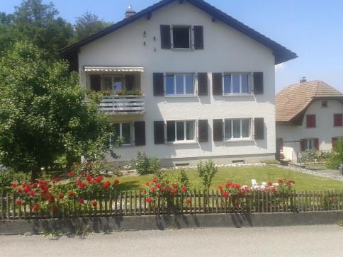 Doppeleinfamilienhaus mit Bauplatz für ein weiteres EFH