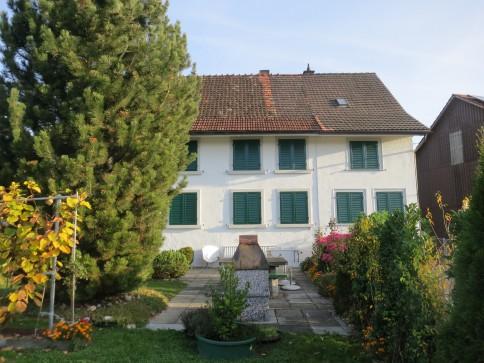 Doppeleinfamilienhaus mit Scheune im Dorfkern Bärg bei Wängi