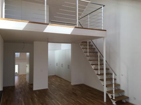 Einzigartige, helle 4.5 Zi-Dach-Whg mit Galerie/Estrich - Erstbezug