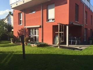 Exklusive 6 1/2 Zimmer Eigentumswohnung mit Privatgarten
