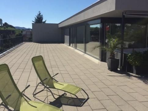 Exklusive Attika-Wohnung mit mehr als 200 m2 Terasse