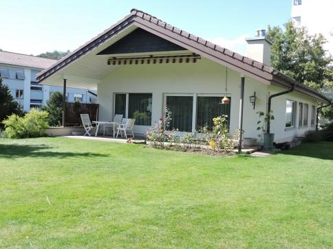 Freistehendes Einfamilienhaus mit Einlegerwohnung