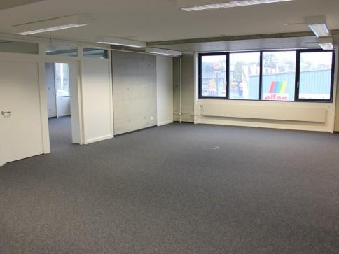 Freundliche Büroräume im 2. OG
