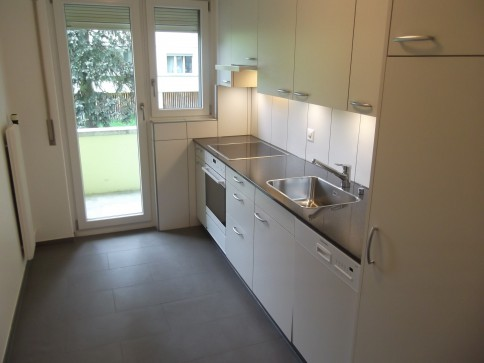 Frisch renovierte und zentral gelegene 4.5-Zimmer-Wohnung