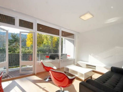 furnished loft rent close ONU Nations piscine availible from 6.2017