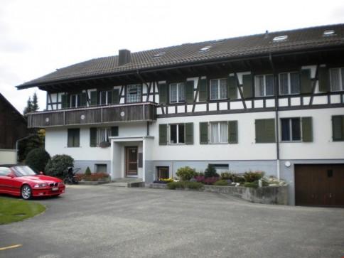 gemütliche 3-Zimmer-Wohnung, 1. Obergeschoss links