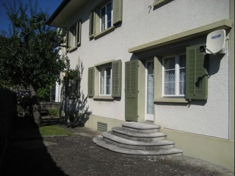 Gemütliche 4-Zi-Wohnung in älterem 3-FMH