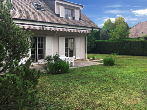 Genève-Villa au calme avec grand jardin privatif