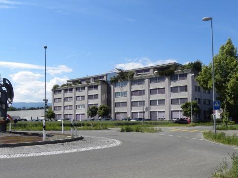 Gewerbe- und Büroräumlichkeiten an zentraler Lage in Lyss