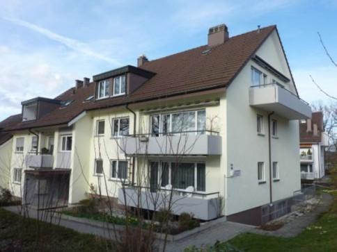 Grosse 4.5-Zimmer-Dachwohnung in gepflegtem Mehrfamilienhaus