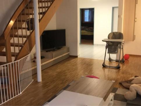 Grosse familienfreundliche 4,5 Zimmer Wohnung Dach-Maisonette