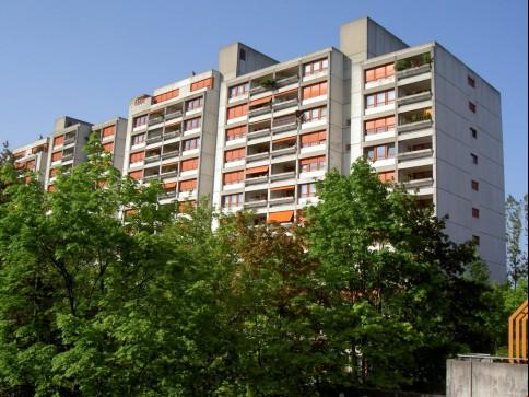 Grosszügig Wohnen mit grossem Balkon (ca. 18 m2) - komplett saniert
