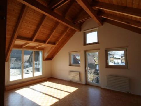 Grosszügige 3.5-Dachwohnung in Arch