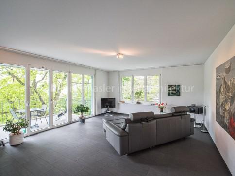 Grosszügige 4.5-Zi-Wohnung an attraktiver Lage oberhalb des Ortskerns