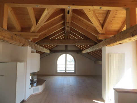 Grosszügige 5 1/2 Zimmer-Wohnung im Zentrum von Zuoz