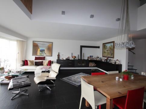 Grosszügige Maisonette-Wohnung mit unverbaubarer Aussicht