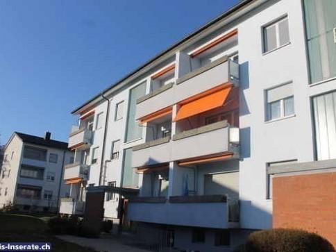 HELLE 3.5 Zimmer-Wohnung nähe Wald und See