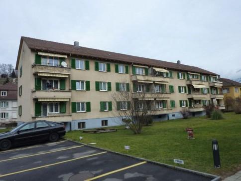 Helle 4-Zimmer-Wohnung in Spiez zu vermieten