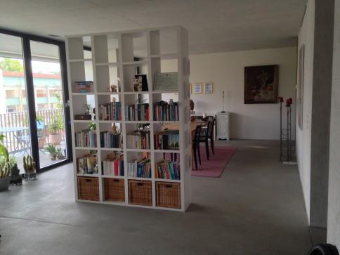 Helle, moderne Wohnung (Loft) mit riesigem Balkon, 2 min vom Bhf Aarau