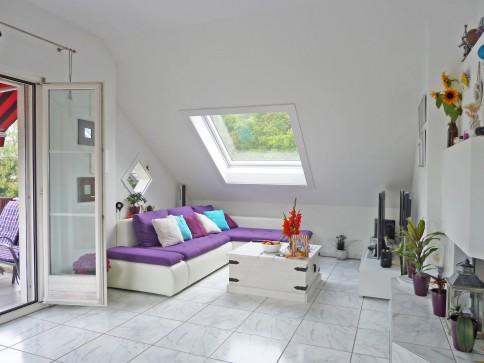 Helle und gemütliche Dachwohnung