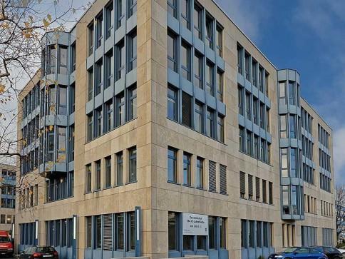 Kleinbüro - Rotkreuz-West