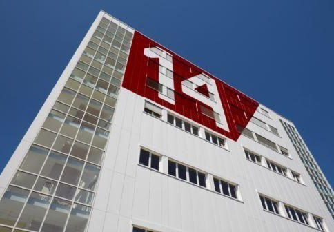 """lichtdurchflutete Büroräume im """"Pier14"""""""