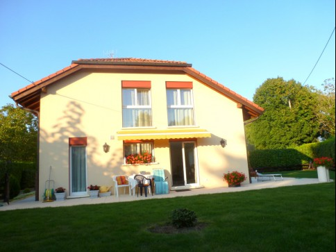 Lumineuse villa familiale avec 4 chambres à coucher