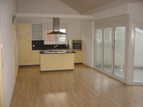 Moderne 3.5-Zimmer-Dachwohnung