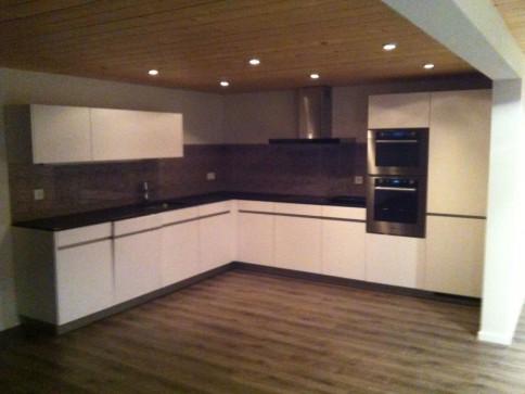 Moderne 3.5 Zimmer Wohnung in Bauernhaus