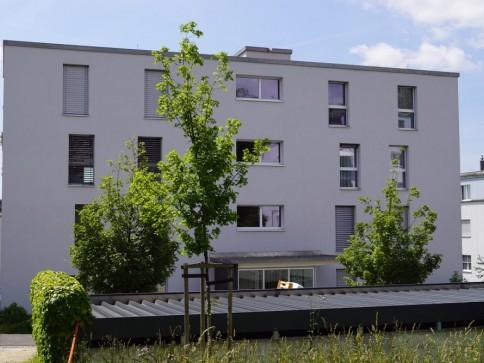 moderne 3.5-Zimmerwohnung mit Sitzplatz