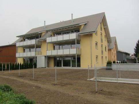 Moderne 4.5 Zimmer Neubauwohnung in ländlicher Gegend