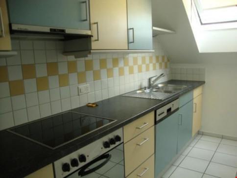 Moderne Dachwohnung im Zentrum - 3.5 pièces sous les combles