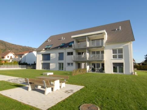 Modernste 4.5-Zimmer-Neubauwohnung mit grossem Balkon Nähe Bahnhof!