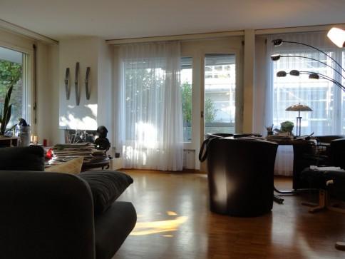 Nähe Stadtzentrum - gemütliche Wohnung mit Cheminée