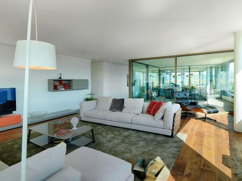 Neubau - Wohnen auf 240m2 mit See- und Bergsicht!