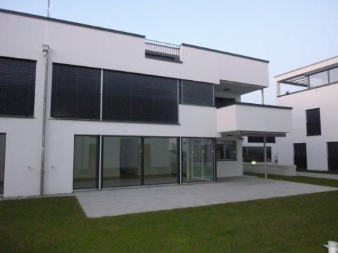 Neuwertige Maisonette-Wohnung mit herrlicher Dachterrasse (83 m2)