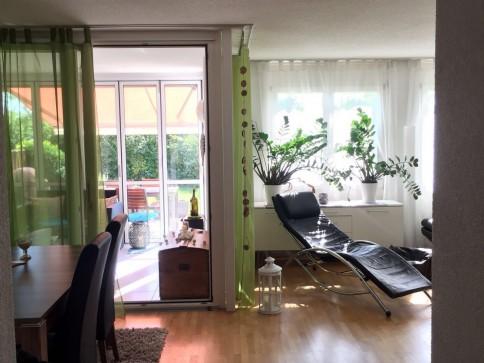 Parterrewohnung mit Wintergarten + gr .Gartensitzplatz + eig.Waschkü