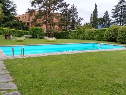 PERFETTO, soleggiato, tranquillo in piccolo residence con piscina! Hel