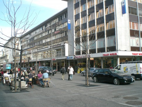 Place du Midi, Sion, local commercial
