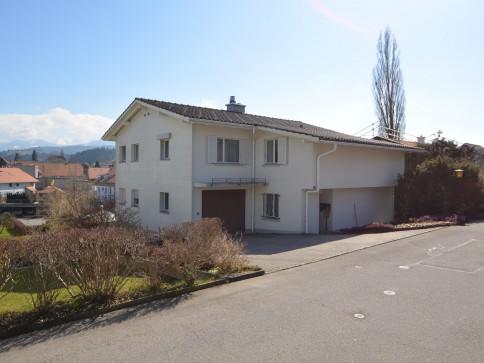 Renovierte 3-Zimmer-Wohnung in Schwarzenburg mit kleinem Hauswartsamt